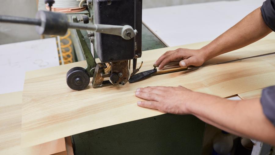 Шпонирование плит натуральным шпоном по фанере МДФ и ДСП
